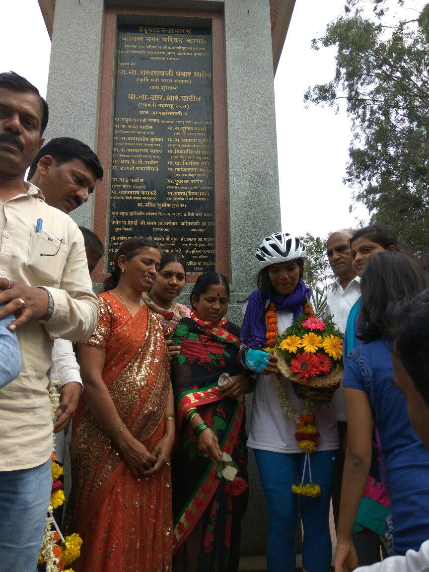 Celebrity welcome at Kadal of Sunita Singh Choken