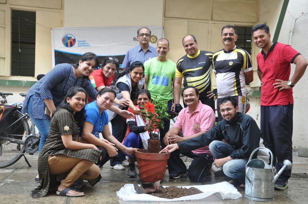 Rotary Club of Pune South- Joining hands for planting trees @anandvan